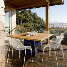 Beach Style Deck by Jessica Helgerson Interior Design