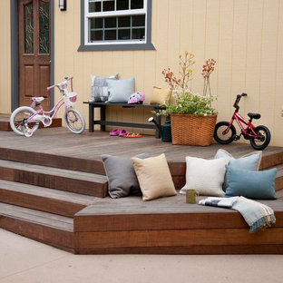 Inspiration for a beach style deck remodel in San Diego