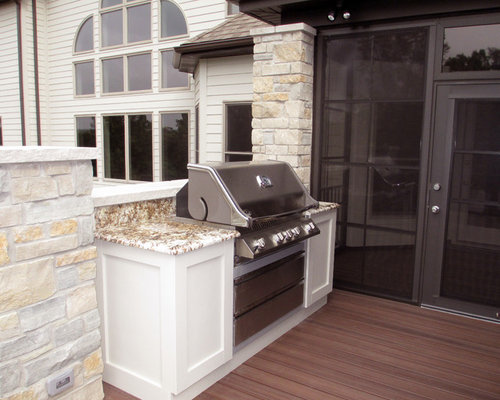 Outdoor kitchens grills and refrigerators for Outdoor kitchen refrigerators built in