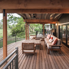 Transitional Deck by HighCraft Builders