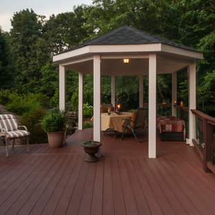 Inspiration for a timeless deck remodel in Baltimore
