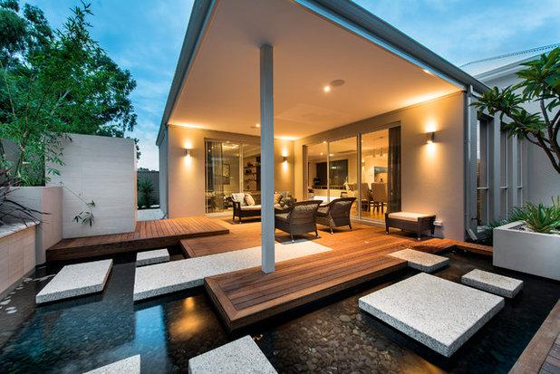 Contemporary Deck by Jodie Cooper Design