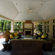 Traditional Deck by Andrew Roby General Contractors