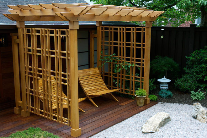 Asian Deck by kokobo greenscapes