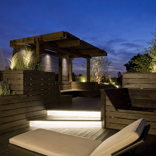 Outdoor Lounge & Sun Deck