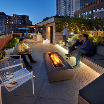Outdoor Lounge w/ Fire Pit