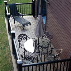 Traditional Deck by Radzwillas Builders, LLC