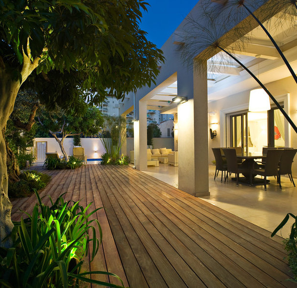 Modern Deck by Yaniv Schwartz - Photographer