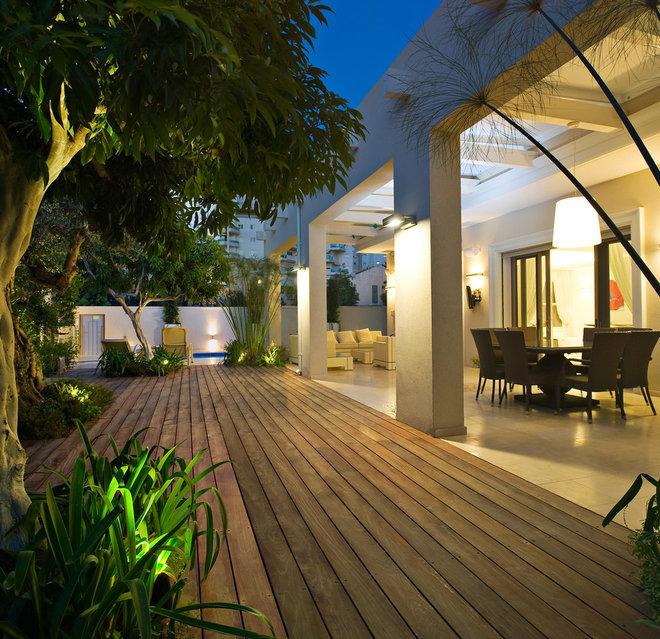 Modern Deck by Yaniv Schwartz - Photographer
