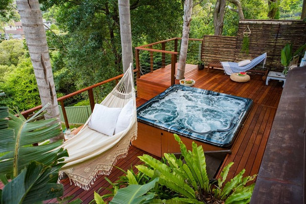 Contemporary Deck by Creative Nature Landscape Services