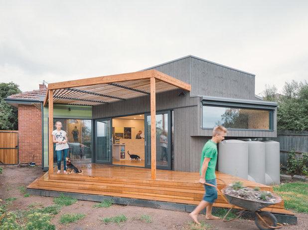 Modern Terrace by Gardiner Architects