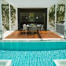 Modern Deck by AdvantageLumber.com
