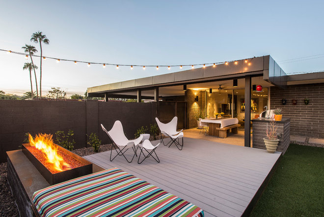 Contemporary Deck by Identity Construction