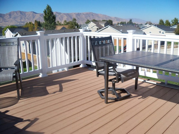 Traditional Deck by Remodel It U