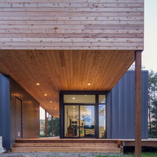 Modern Entry by Stephenson Design Collective