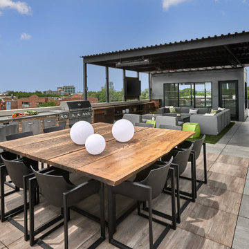 Penthouse Rooftop - Outdoor Dining