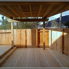 Traditional Deck by AARCON Construction and Remodeling