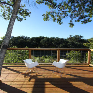 Inspiration for a modern deck remodel in Austin