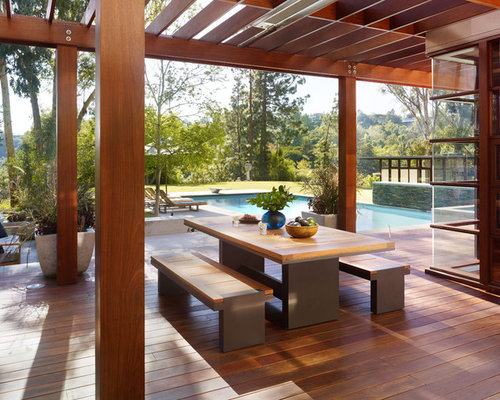 Minimalist Patio Photo In Los Angeles With Decking