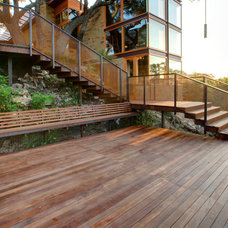 Industrial Deck by D-CRAIN Design and Construction