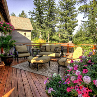 Photo of a traditional deck in Portland with no cover.