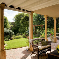 Traditional Deck by Southview Design