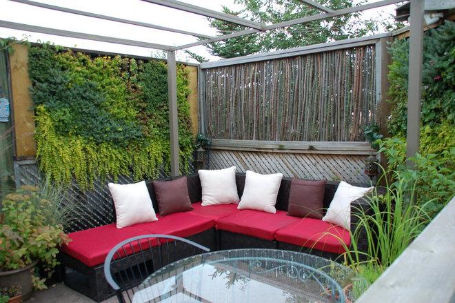 Deck by Melanie Rekola Landscape Design
