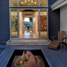 Contemporary Deck by George Psaledakis Architect