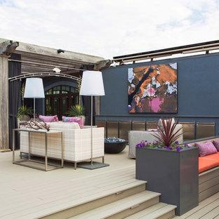 リトルロックのコンテンポラリースタイルのおしゃれな屋上のデッキ (パーゴラ、屋上) の写真