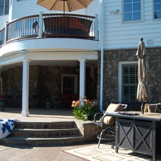 Traditional Deck by Matthew Bowe Design Build, LLC
