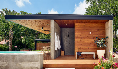 Best of the Week: 30 Outdoor Showers From Around the World