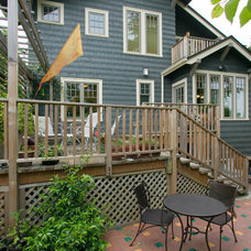 Craftsman Deck by Neu Construction, Inc