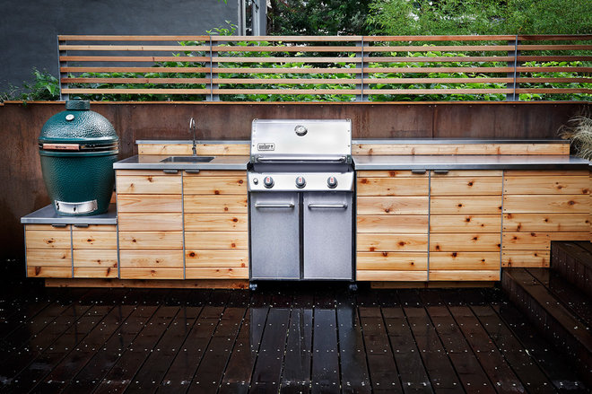 Contemporary Deck by New Eco Landscapes