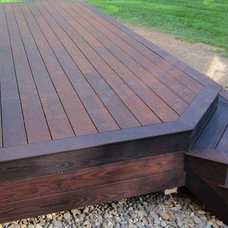 Contemporary Deck by Thermory USA