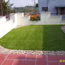 Contemporary Deck by EasyTurf