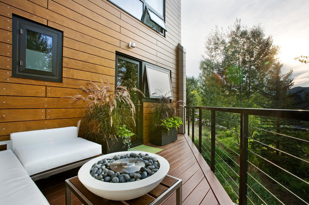 Contemporary Deck by S2 Architects
