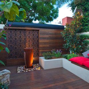 Contemporary deck in Sydney.