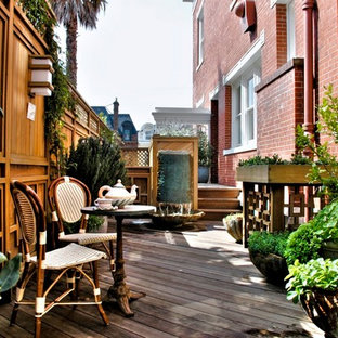 Inspiration for a timeless deck remodel in San Francisco