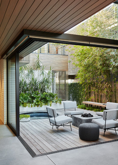Deck by Michael Lee Architects