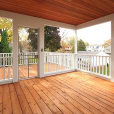 Traditional Deck by Anchor Builders