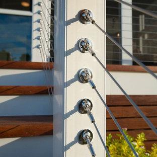 Esempio di grandi terrazze e balconi tradizionali dietro casa con nessuna copertura