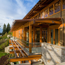 Craftsman Exterior by Roberts Wygal