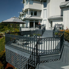 Traditional Deck by Neu Construction, Inc