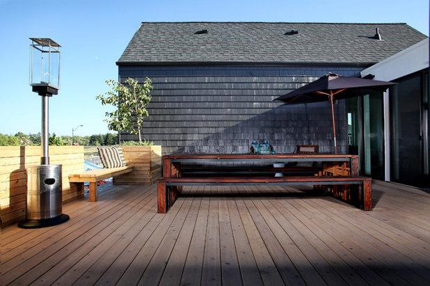Rustic Deck by nicole helene designs