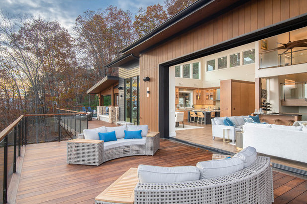 Midcentury Deck by Living Stone Design + Build