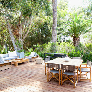 Island style backyard deck photo in Los Angeles