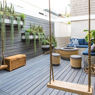 Inspiration for a coastal deck container garden remodel in Los Angeles with no cover