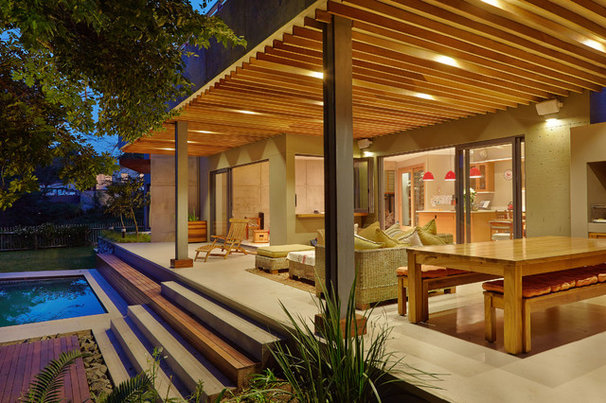 Contemporary Deck by LevEco Architects
