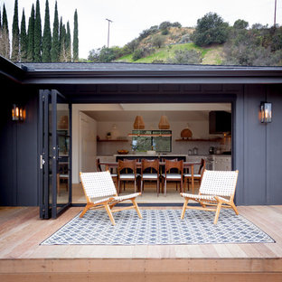Deck - mid-sized 1960s backyard deck idea in Los Angeles with no cover