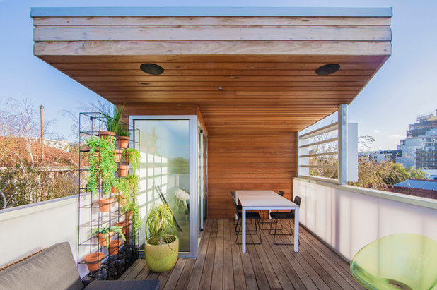 Contemporary Deck by mcmahon and nerlich
